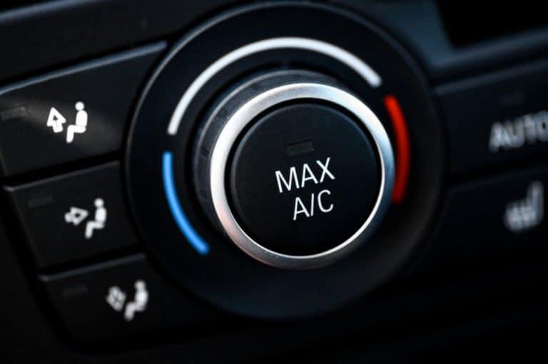 Włącznik klimatyzacji w samochodzie